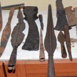 Koz. Dubica: Uhapšena dva lica zbog ilegalne prodaje artefakata (VIDEO)