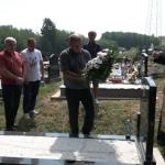 Saborci podigli spomenik Dušanu Stojanoviću (VIDEO)