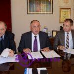 U gradskoj upravi Prijedor juče potpisan ugovor o izgradnji reflektora na Gradskom stadionu   SVIJETLI DO KRAJA MAJA 2020. (FOTO)