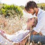 Jedan minut sa partnerom može da učini čuda za vezu, evo šta treba da uradite
