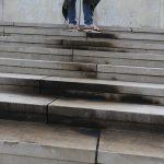 """""""OGORČENI SMO!"""" Ovako izgleda spomenik na Banj brdu nakon VANDALSKOG PALJENJA (FOTO, VIDEO)"""