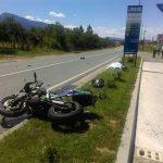 STRAŠNA NESREĆA Mladi motociklista poginuo u teškom sudaru sa traktorom