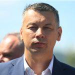 """""""TO NIJE TAČNO"""" Nešić rekao da nije šutirao novac na zabavi, ne razumije zahtjev opozicionih poslanika"""