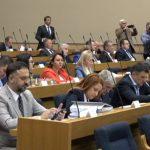 Draško Stanivuković ponovo pravio cirkus od Narodne skupštine Srpske (VIDEO)
