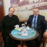 SVIJETAO PRIMJER ISKRENE SARADNJE Vladika i muftija na kafi u Mostaru