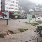 Haos u Crnoj Gori: Izlile se rijeke, saobraćaj otežan (VIDEO)