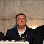 """""""NEĆU DA SE BLAMIRAM"""" Dodik poručio da neće inicirati sastanak sa Izetbegovićem i Čovićem"""