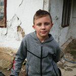 DEJANOVE SUZE DIRNULE BROJNA SRCA Dječak (11) kojeg je OSTAVILA MAJKA dobija NOVI DOM (FOTO)