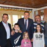 Vulin i Dodik obišli porodicu Bajić u Drvaru