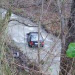 Vozač izgubio kontrolu pa automobilom sletio u rijeku