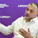 U SRBIJI POSTOJE DVA I PO POLITIČARA, OSTALI SU DILETANTI I BOLIDI! Čeda Jovanović: Njima je samo cilj da naprave dodatni haos!