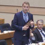 "Draško Stanivuković u parlamentu Srpske ""prodaje fore"" Margaret Tačer"