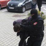 """PUSTOŠILI KUĆE I PODRUME U akciji """"Hidra"""" uhapšen i vandal koji je VRIJEĐAO NOVINARE SRPSKAINFO"""