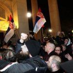 Demonstranti pokušali nasilno da uđu u Skupštinu Srbije