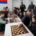 Gradonačelnik otvorio šahovski turnir u selu Jutrogošta povodom Dana Republike (FOTO)