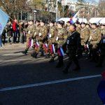 Defile za Republiku Srpsku; Ponosno i svečano u ešalonima (FOTO/VIDEO)