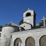 Mitropolit Amfilohije: Narodni protesti sve do povlačenja spornog Zakona