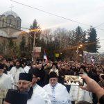 Više hiljada Srba na molebanu podrške braći u Crnoj Gori (FOTO/VIDEO)
