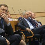 """""""KO MU BRANI"""" Dodik poručio Šaroviću da sazove SJEDNICU, ako ima dovoljno GLASOVA"""