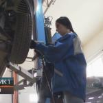 K. Dubica: Dalila Blagojević ruši predrasude o automehaničarskom poslu (VIDEO)
