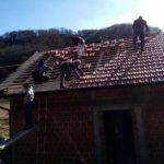 Pokrivena kuća koja se gradi za dječaka Dejana Zorića kod Novog Grada