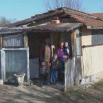 Prijedor: Petočlana porodica Galonja živi bez vode u drvenoj baraci (VIDEO)