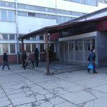 PROFESOR VUKAO UČENIKA KROZ HODNIK Više verzija incidenta u Mašinskoj školi u Prijedoru