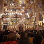 Desetine hiljada građana ispred Hrama Hristovog vaskrsenja u Podgorici (UŽIVO)