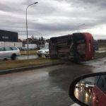 Prevrnuo se automobil kod Prijedorske petlje (FOTO)