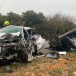 Mladić krenuo da pretiče pa udario u vozilo iz suprotnog smjera, na mjestu ostao mrtav