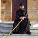 Za put se spremao mjesec dana: Sveštenik pješači od Požarevca do Ostroga (FOTO)