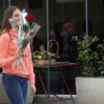 Nekada su se nastavnicama za 8. mart poklanjale ruže, a sada PARFEMI, TORBE I ZLATNI NAKIT