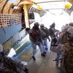 Prvi put u istoriji ruski padobranci skočili sa 10.000 metara na Arktiku (VIDEO)