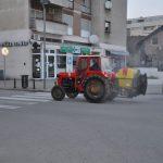 Prijedorski voćari i sinoć bili u akciji dezinfekcije javnih površina (FOTO)