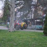 Prijedorski voćari u akciji dezinfekcije javnih površina (FOTO)