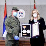 Predsjednica Srpske odlikovala ruskog pukovnika i uručila zahvalnice (FOTO)