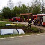 STRAVIČNA SAOBRAĆAJKA U sudaru poginuli vozač i suvozač (FOTO)