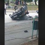 "Potera za paklenim vozačem: Bježao od policije ""audijem"", vozio suprotnom trakom, pa završio na krovu"
