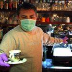 Konobari pri radu u baštama moraju da nose zaštitne maske; ALI NE ISPOD BRADE (VIDEO)