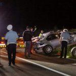 Teška saobraćajka: Automobil sletio s puta, dva mladića i djevojka ispali iz vozila