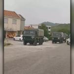 Vojna vozila i policijske patrole između Podgorice i Nikšića: Svi moraju da kažu kuda idu /VIDEO/