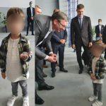 VUČIĆ DOBIO NEOBIČAN POKLON OD MALIŠANA: Predsednik na Instagramu otkrio i kome je namenjen FOTO