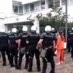 HAOS u Budvi: SAJ upao u Opštinu: Uhapšeni i prebijeni Carević, njegovi sin i brat, uhapšeni i Radović, Božović, Jovanović, Vujović, Mikijelj (VIDEO)
