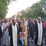 Krst je sila i znamenje, Krst je spasenje: Mitropolit Amfilohije predvodi litiju u Podgorici (FOTO/VIDEO)