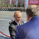 Dodik prisustvovao Paradi u Moskvi, dočekao ga Putin (FOTO)