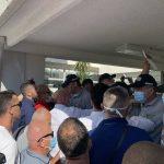 Incident u Budvi: Carević i Radović spriječeni da uđu u opštinu