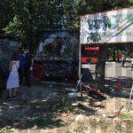 Autobus priklještio ženu uz drvo i vozač zaglavljen, ženu reanimirali