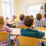 ĐACI SE NAPOKON VRAĆAJU U KLUPE Školska godina počinje 1. septembra POD OVIM USLOVIMA
