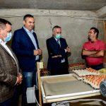 """Ministar Pašalić i Dalibor Pavlović sa delegacijom GrO SNSD-a Prijedor obišli farmu """"Babić"""" (FOTO)"""