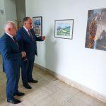 Na humanitarnoj izložbi do sada prodato šest slika